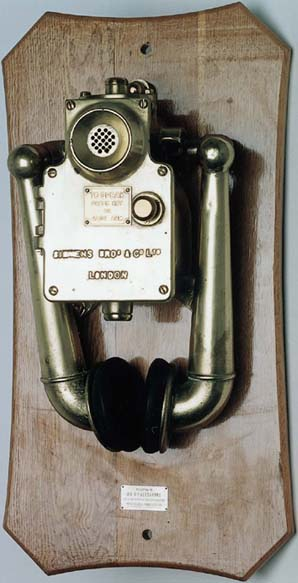 A FLAME-PROOF MINE TELEPHONE